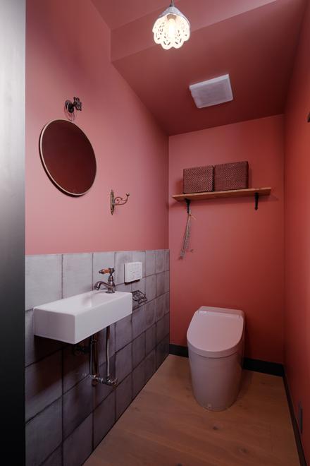 1階のピンクのトイレ