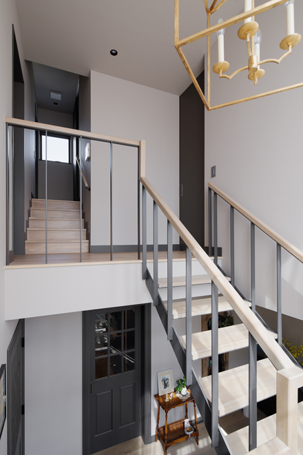 階段室から 2階はスキップフロアーになっている