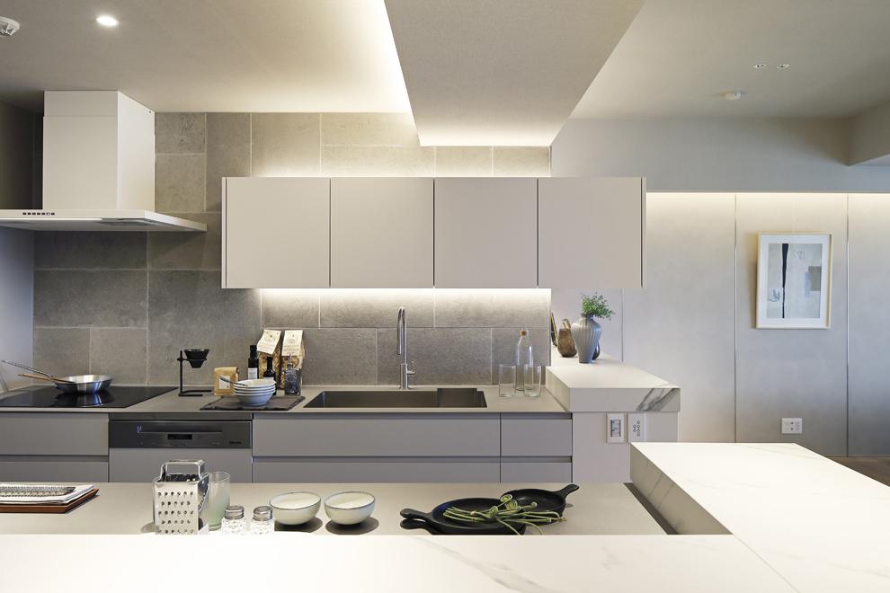 間接照明で十分明るいキッチン