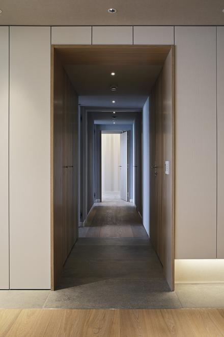 各個室への廊下