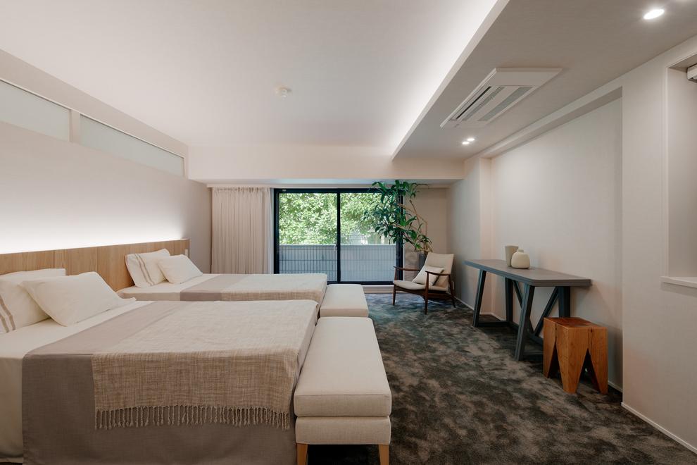 主寝室 主な照明は間接照明でホテルライクな雰囲気