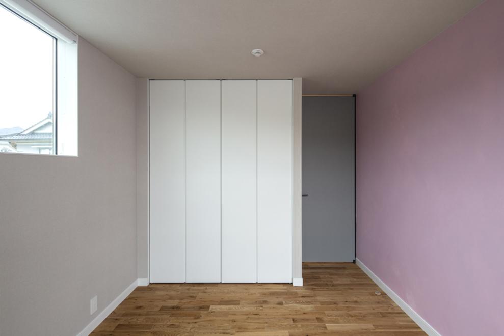子供部屋は2部屋 各自好きな色を施主施工で塗装した