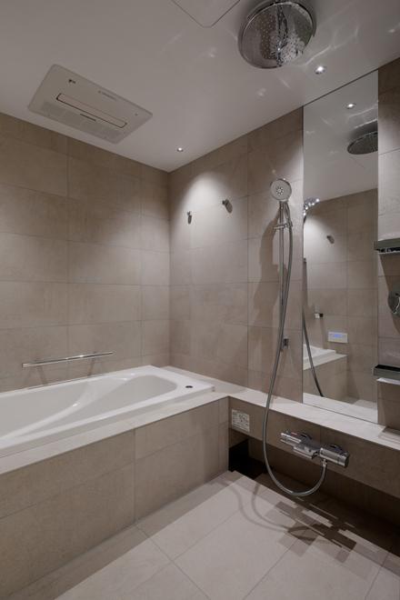 主寝室専用の浴室