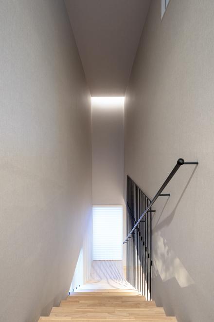 3階への階段 間接照明により独特な空間になっている