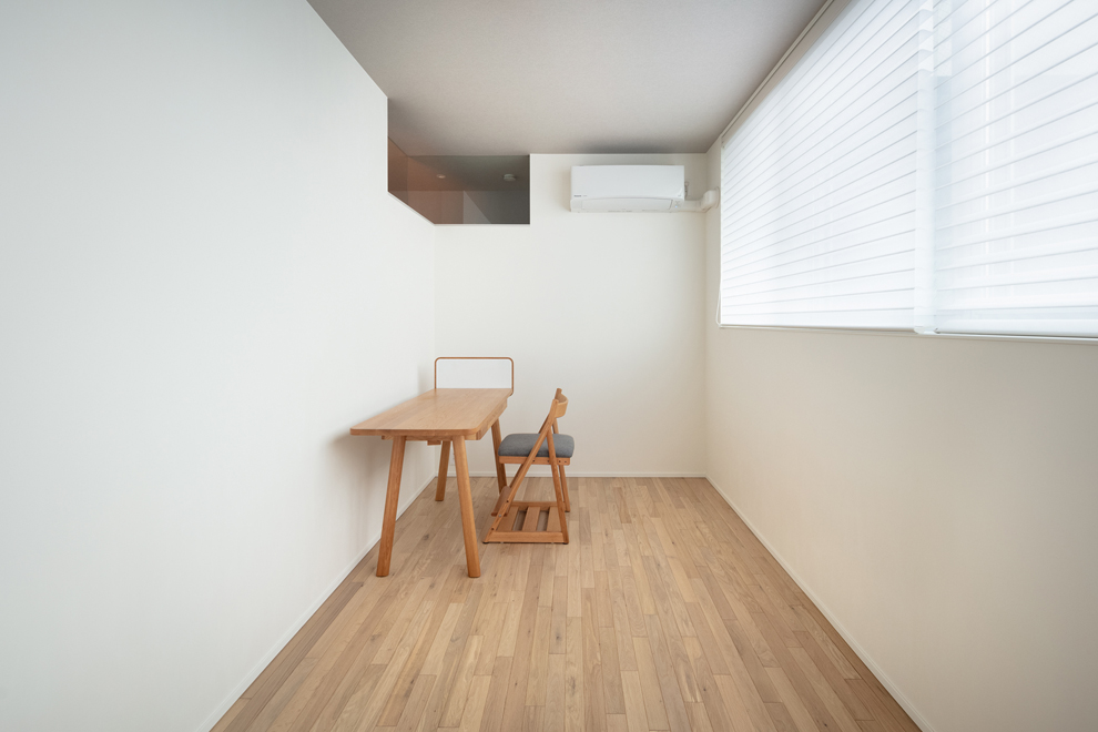 3階の子供部屋 南側に面して明るい 欄間も特徴的